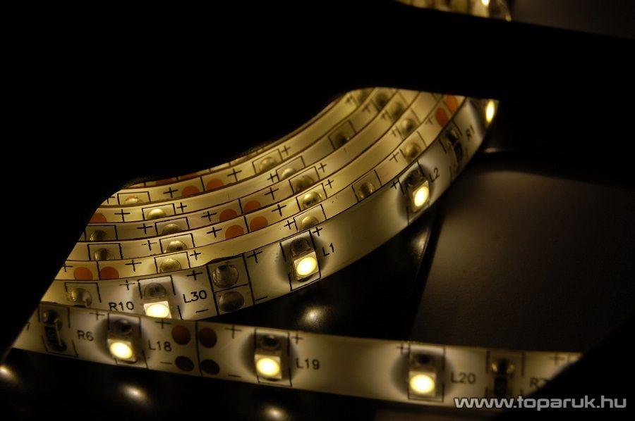 Design Dekor Kültéri világító 180 LED-es SMD LED szalag közepes fényerejű 3528 SMD LED chippel, 3 méter hosszú, meleg fehér színű (KNS 332) - készlethiány